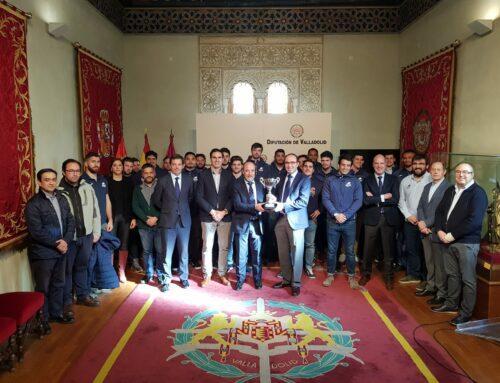 El VRAC visitó la Diputación y el Ayuntamiento con la Copa Ibérica